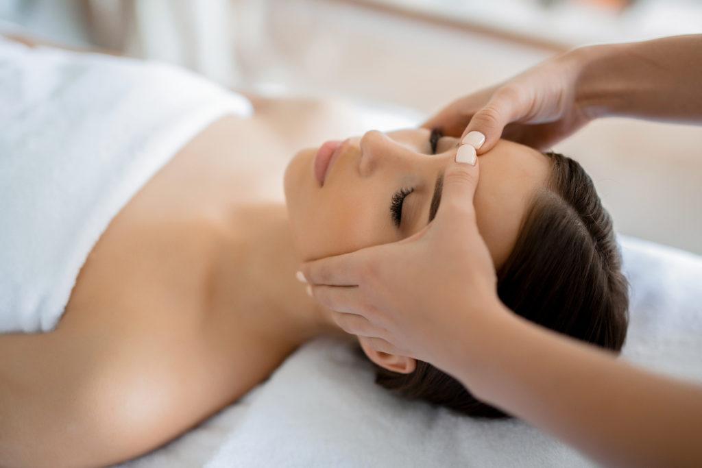 Коррекционные техники массажа тела и лица